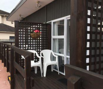 studio-balcony