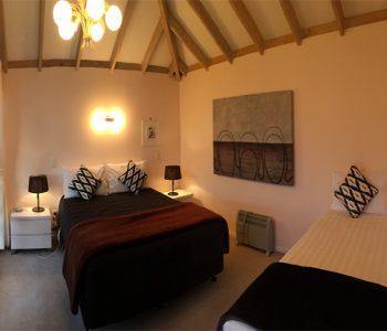 double-bed-with-one-single-bed-350x300_3c8a9140ce2e84d4b1b4f5e4385657cc